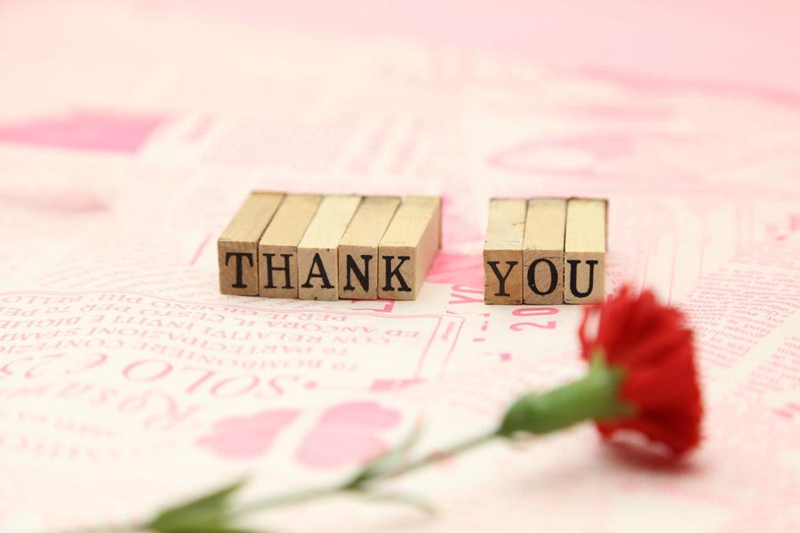 「THANK YOU」とカーネーション